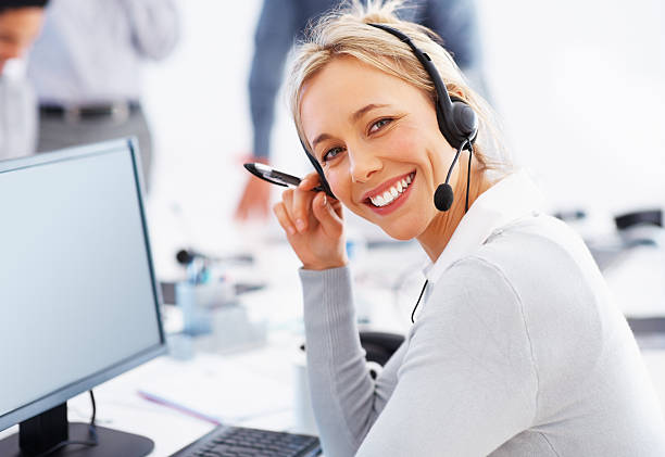 красивые поддержки клиентов - call center стоковые фото и изображения