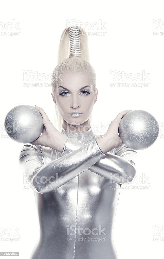 cyber bella donna con palla d'argento foto stock royalty-free