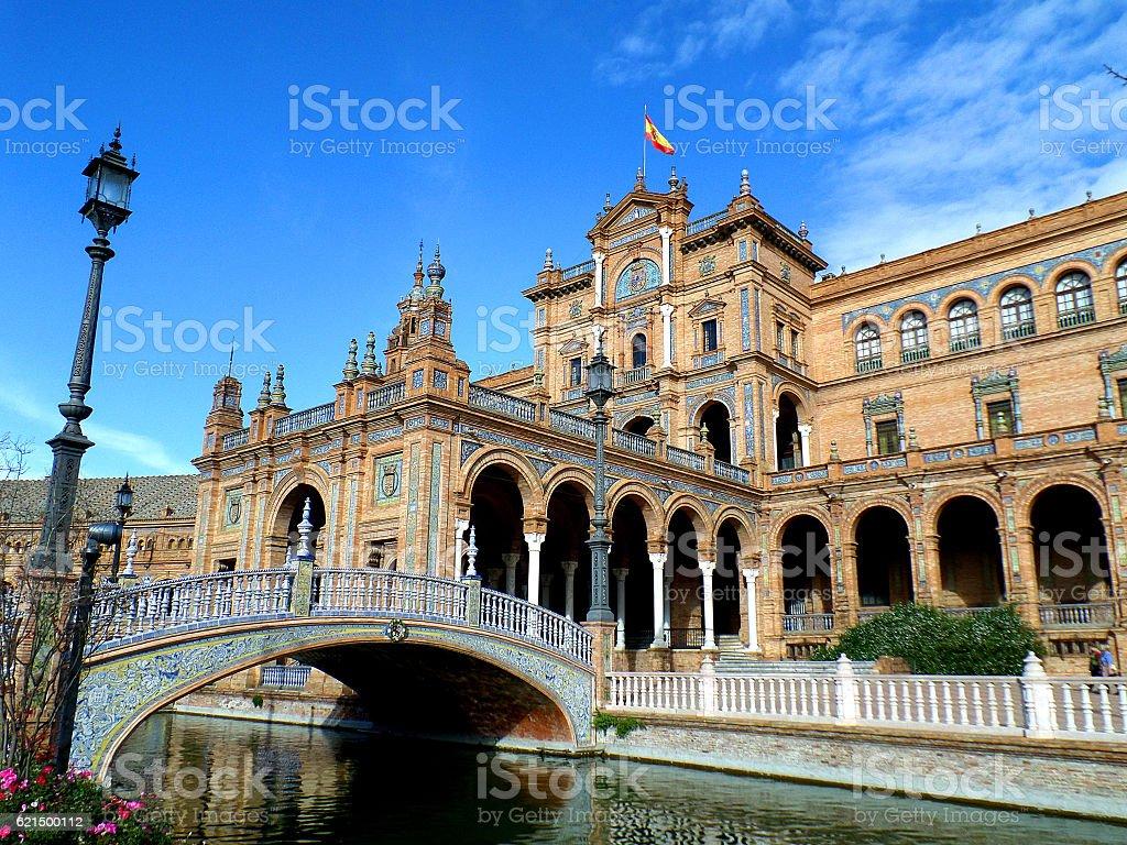 Beautiful Decorated Bridge and Stunning Architecture at Plaza de Espana foto stock royalty-free