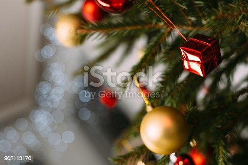 istock Beautiful decorated Christmas tree 902113170