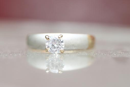 Mooie Diamantring Stockfoto en meer beelden van Decoraties