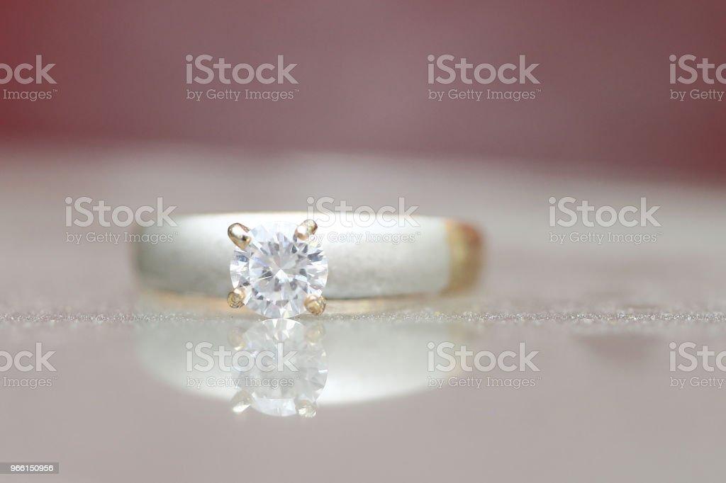 Beautiful diamond ring - Foto stock royalty-free di Anniversario