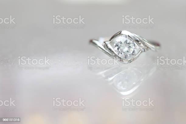 Beautiful Diamond Ring - Fotografias de stock e mais imagens de Aniversário especial