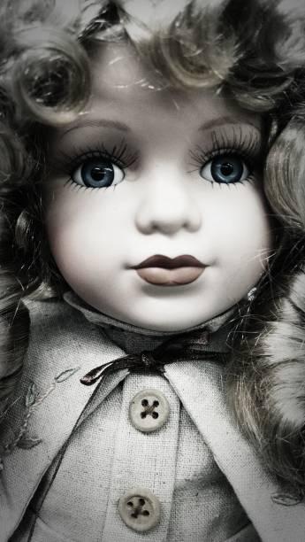 hermosa de doll - muñeca bisque fotografías e imágenes de stock