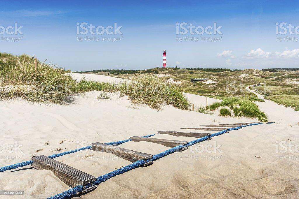 Wunderschöne dune Landschaft mit Leuchtturm in der Nordsee – Foto