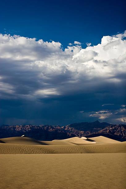 Magnifiques dunes dans la vallée de la mort - Photo