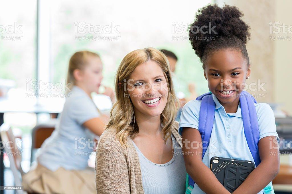 Beautiful Elementary School Teacher With African American -9450