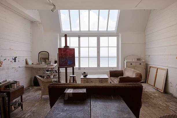 Superbe vide Studio d'artiste avec une lumière naturelle claire - Photo