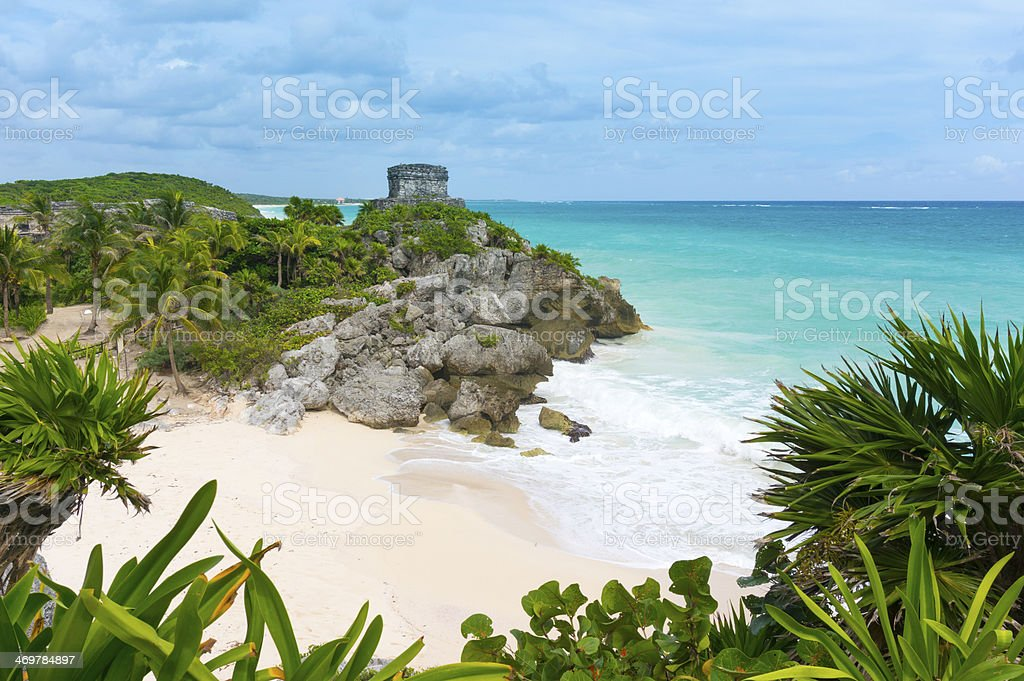 Beautiful empty Caribbean beach in Tulum with ancient Mayan temple - Royalty-free Ancient Stock Photo