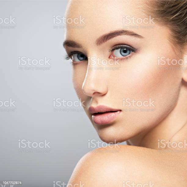 Beautiful face of young woman with perfect skin picture id1047702674?b=1&k=6&m=1047702674&s=612x612&h=nvjrjimwkgkhfqxypvbazsn3bkwmtdvvpd7oaok7lo0=