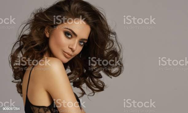 Beautiful female model picture id909097254?b=1&k=6&m=909097254&s=612x612&h=ufoa lhwesqvfdwktwcyk7 hxe5fgh1brb8mm6dozwy=