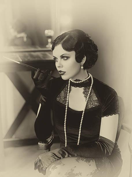 beautiful flapper girl - 20er jahre stock-fotos und bilder