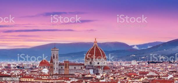 Beautiful florence sunset city skyline with florence duomo panorama picture id973840558?b=1&k=6&m=973840558&s=612x612&h=mhvv2lt7c04emhb3nz6zcj5oxnzscfheqquyuknglmk=