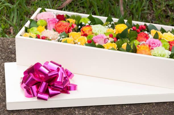 Beautiful flower arrangement in wooden box spectacular gift picture id1258172470?b=1&k=6&m=1258172470&s=612x612&w=0&h=txhto4z4s25gl6ey a3y3pvrgx oyhuxw3xpjxyeg9g=