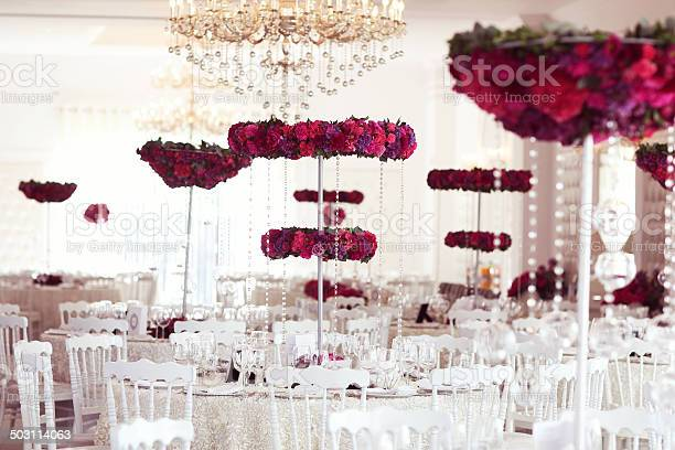 Beautiful flowers on wedding table decoration arrangement picture id503114063?b=1&k=6&m=503114063&s=612x612&h=85zkyzmljjapouwoxmw ogm12ymd8bxow6wfqgf7siy=