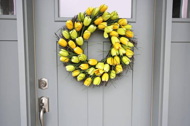 Schöne Haustür Spring Tulpen-Wreath dicht – Foto