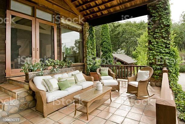 Schöne Veranda Stockfoto und mehr Bilder von Terrasse - Grundstück
