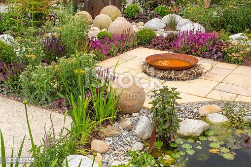 Neu gestalteter, schöner Garten