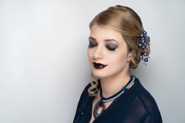 schöne mädchen-modell - vampir schminken frau stock-fotos und bilder