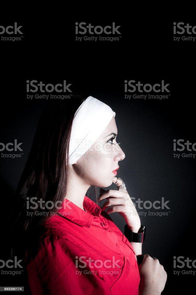Schöne Mädchen Posieren Lizenzfreies stock-foto