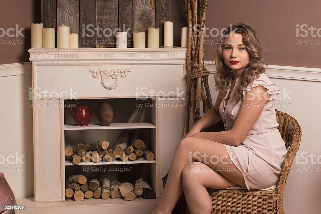Домашнее фото женщина за 40 в кресле