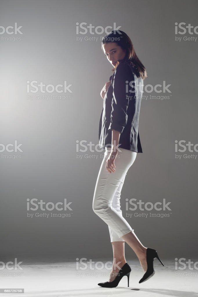 beautiful girl walking foto de stock royalty-free