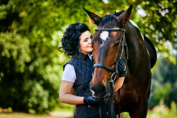 beautiful girl with horse – zdjęcie