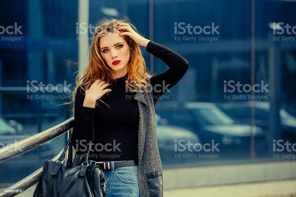 Linda menina com make-up. - foto de acervo