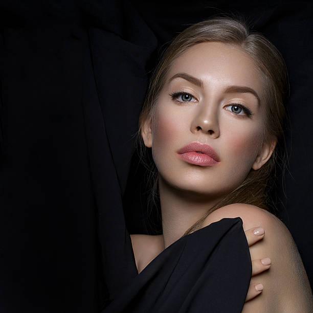 Piękna Dziewczyna z makijaż – zdjęcie
