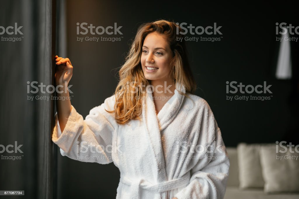 Beautiful glamorous woman in bathrobe - foto stock