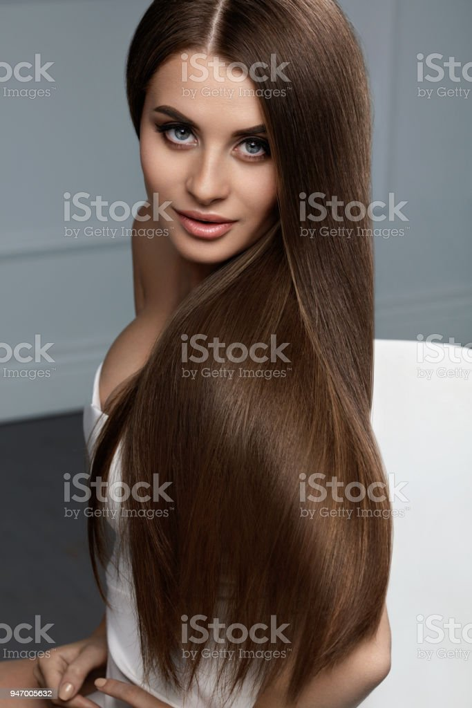 Schönes Haarfarbe Frau Mit Glänzenden Gerade Braune Lange