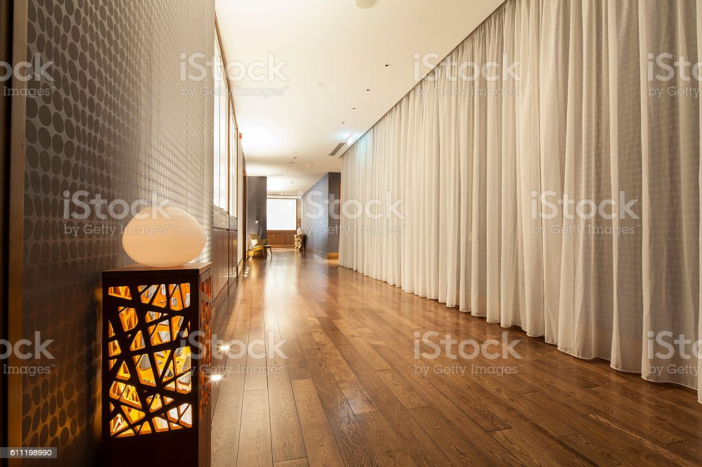 beautiful hall with wooden flooring – Foto