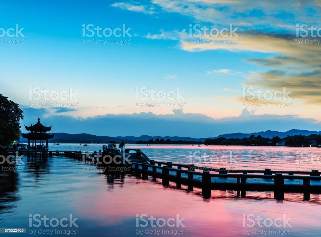 Güzel hangzhou Batı Gölü günbatımında nasıldır royalty-free stock photo
