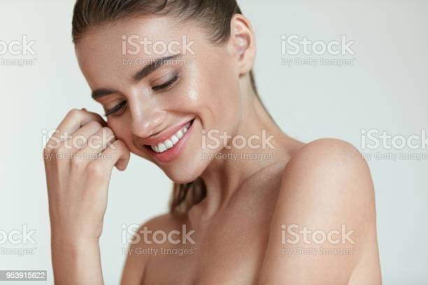 Beautiful happy woman with fresh makeup on beauty face skincare picture id953915622?b=1&k=6&m=953915622&s=612x612&h=w38p0 bkr69wfweg19zsjt 3dzbwl8orm4woqqy3lb8=