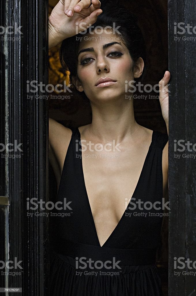 Beautiful hispanic woman in a doorway royalty-free 스톡 사진