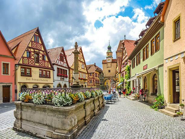 beautiful historic town of rothenburg ob der tauber, germany - rothenburg stockfoto's en -beelden