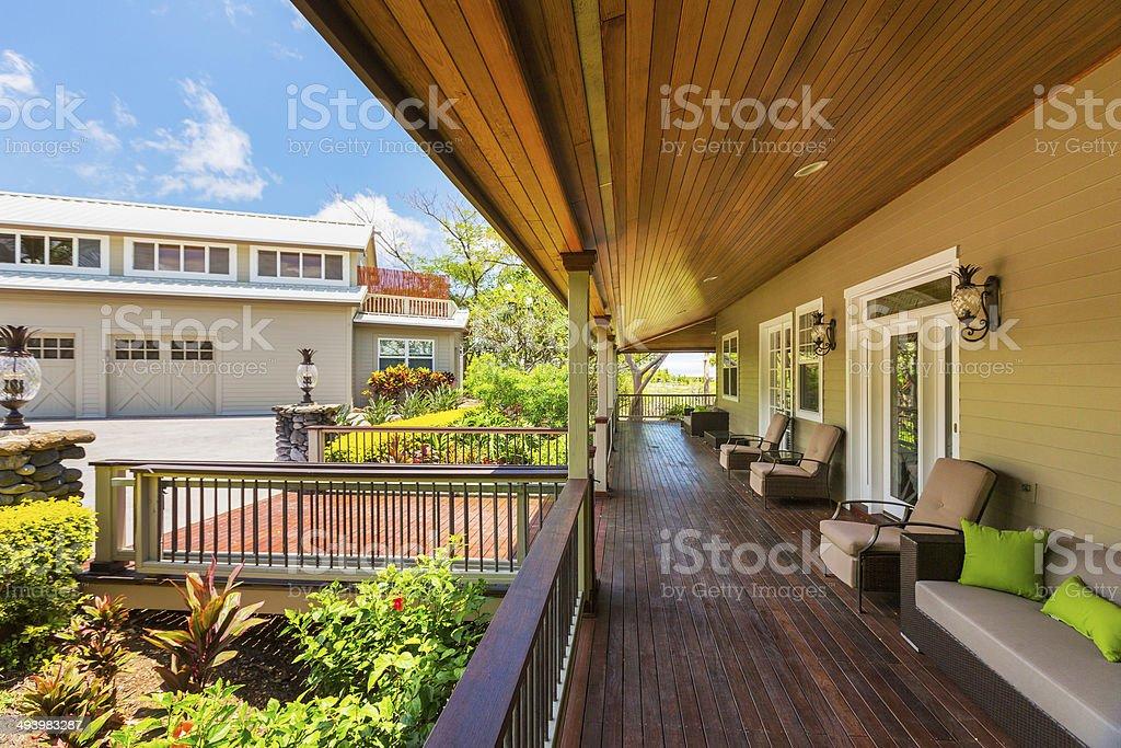 Hermoso Patio Exterior De La Terraza De Casa Foto De Stock Y