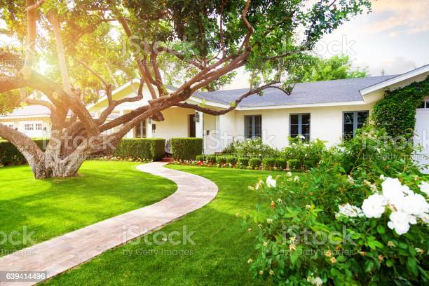 Beautiful home with green grass yard picture id639414496?b=1&k=6&m=639414496&s=612x612&h=bt q3fok3addqp qd2fekl 6tsrvuj278wkh8 qhzvq=