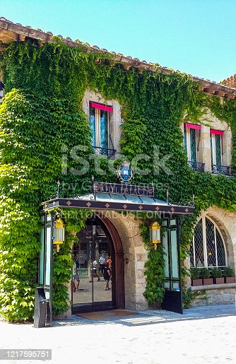 In August 2016, rich tourists were staying in the beautiful Hôtel de la Cité in Carcassonne in France
