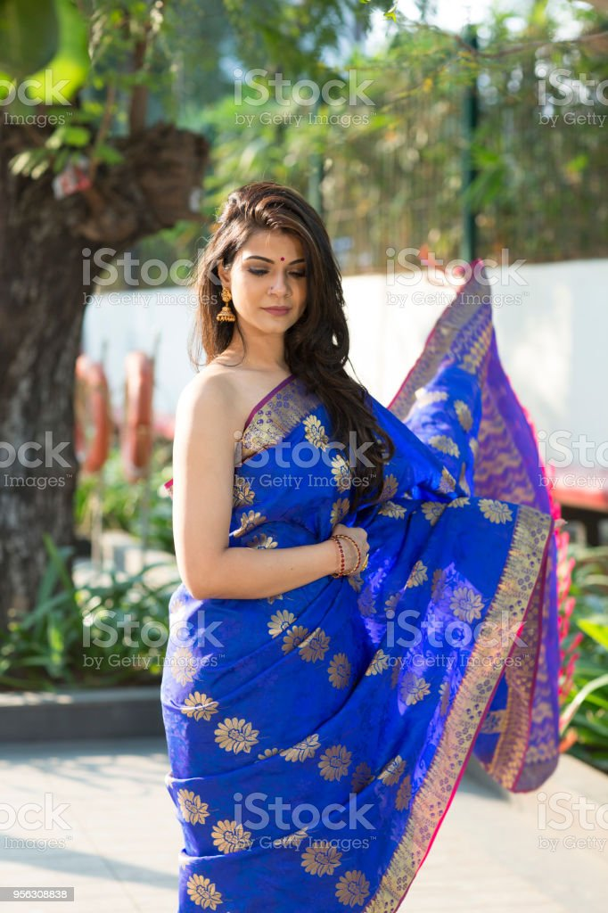 Adult download open saree photo
