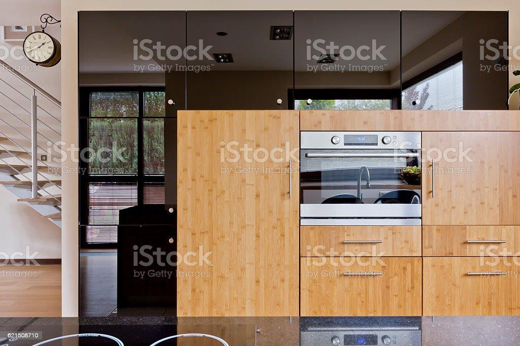 Beautiful kitchen in modern style photo libre de droits