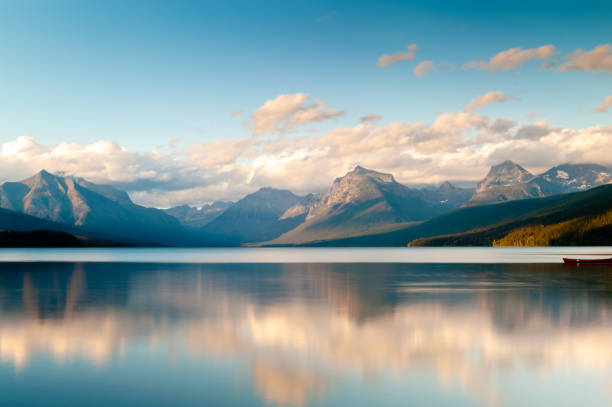 beautiful lake mcdonald montana - mcdonald lake stock pictures, royalty-free photos & images