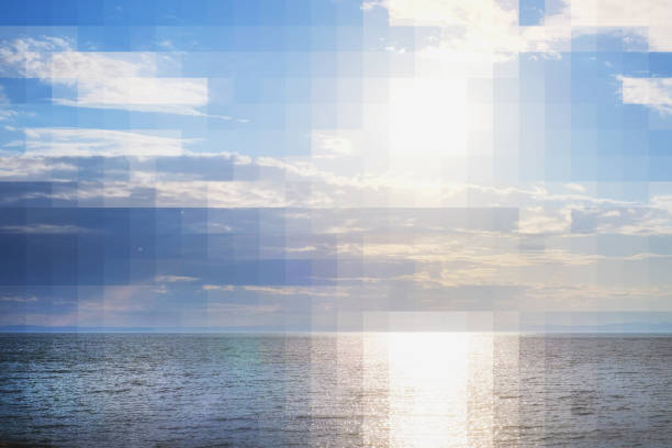 바다에 일몰 전에 아름 다운 풍경 스톡 사진