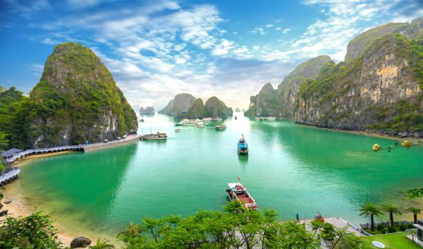 Schöne Landschaft Halong Bay Blick von der adove die Bo Hon Island – Foto