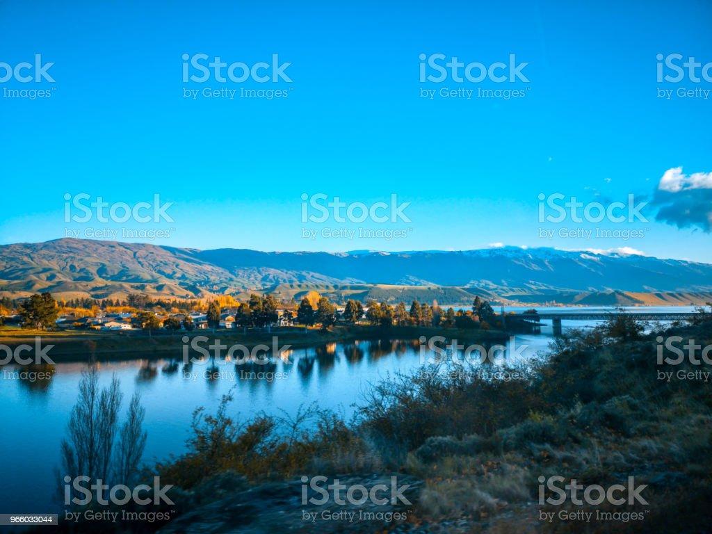 Ett vackert landskap på morgonen, south Island, Nya Zeeland - Royaltyfri Asfalt Bildbanksbilder