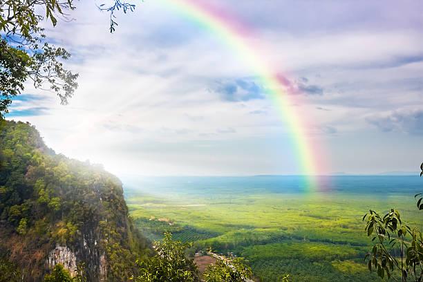 bellissimo paesaggio - arcobaleno foto e immagini stock