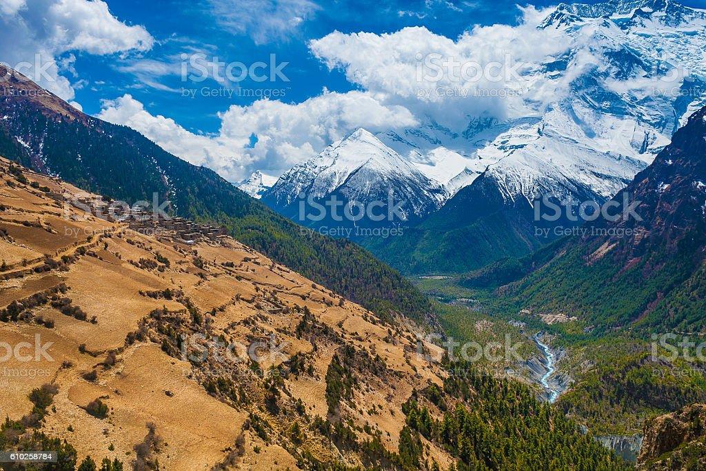 Beautiful Landscape View Snow Mountains Nature Viewpoint.Mountain Trekking Landscapes стоковое фото