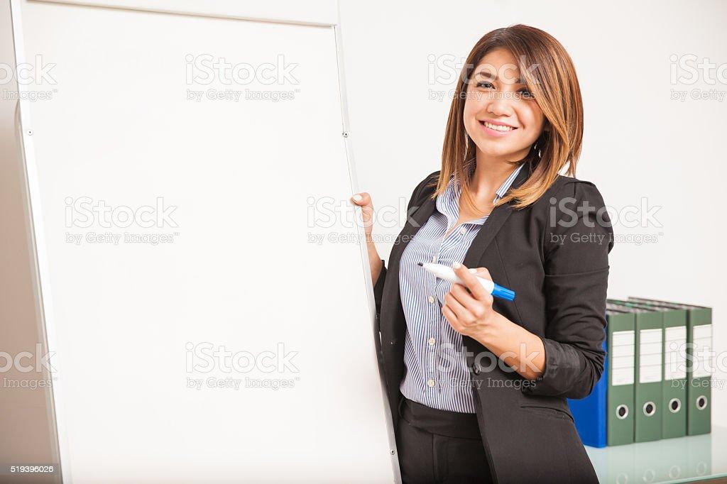 Hermoso idioma maestro en clase - foto de stock