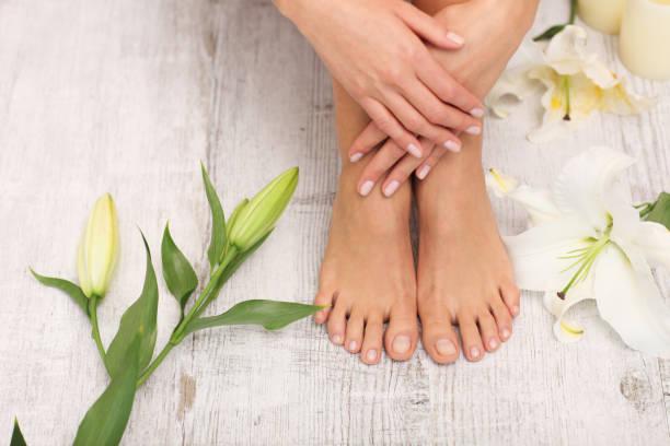 beautiful legs and feet. - pedicure foto e immagini stock
