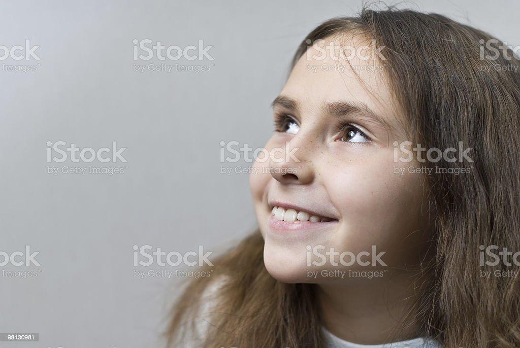 Bella bambina con i capelli lunghi foto stock royalty-free